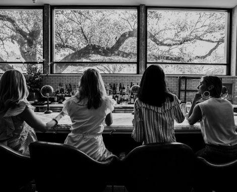 girls at bar